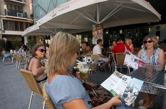 Российские туристы больше не напиваются в хлам и не кричат матом