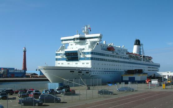 """00. 00 до 18. туристов будет осуществляться с. Регистрация. в... 1. Паром  """"Princess Maria """" отправляется с Морского..."""