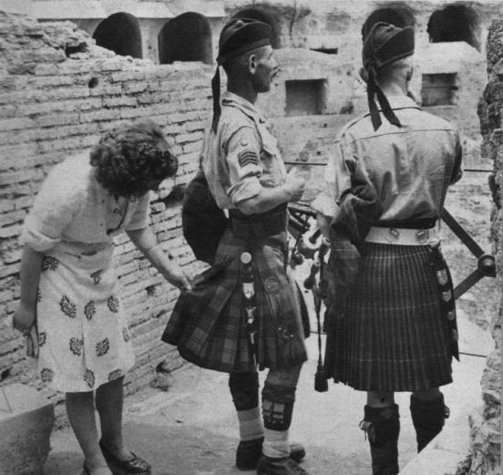 Шотландка в нижнем белье фото 5 фотография