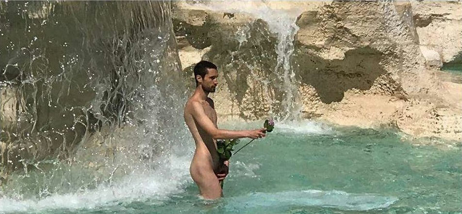 chris-fountain-topless