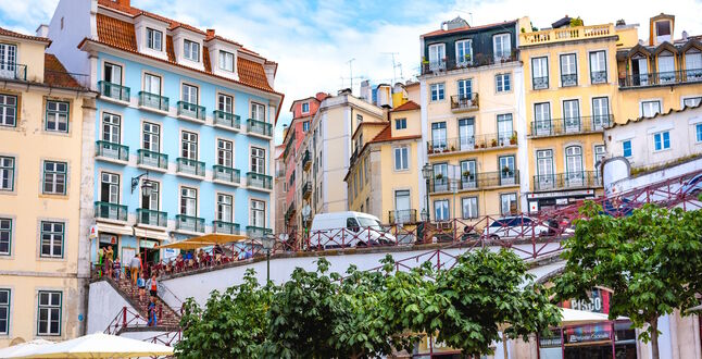 Португалия открыла музеи и террасы